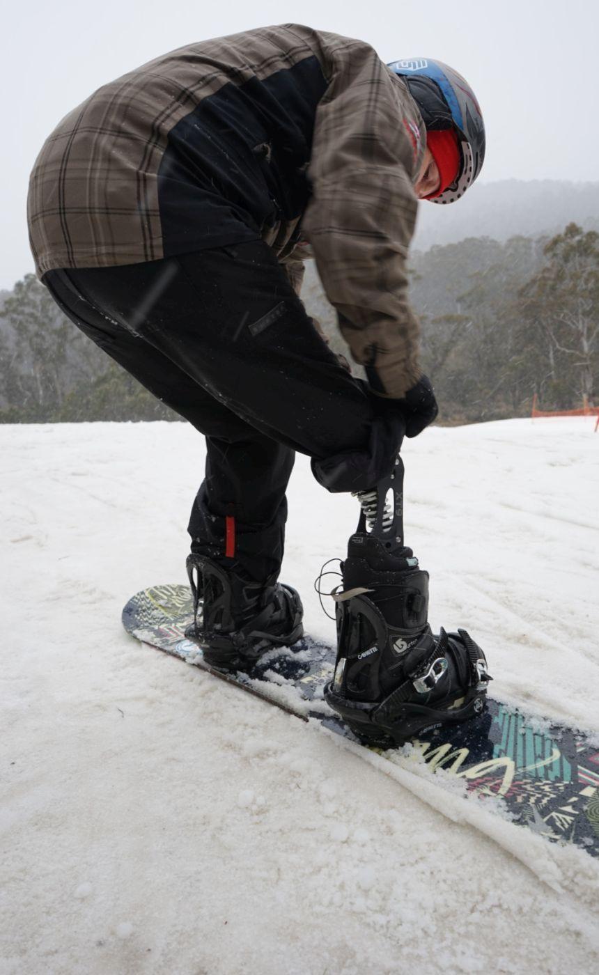 Snowboarding Prosthesis Amputee
